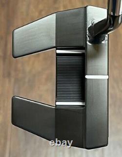 Scotty Cameron Futura 5W Flow Neck Putter MINT RH Xtreme Dark Finish APH